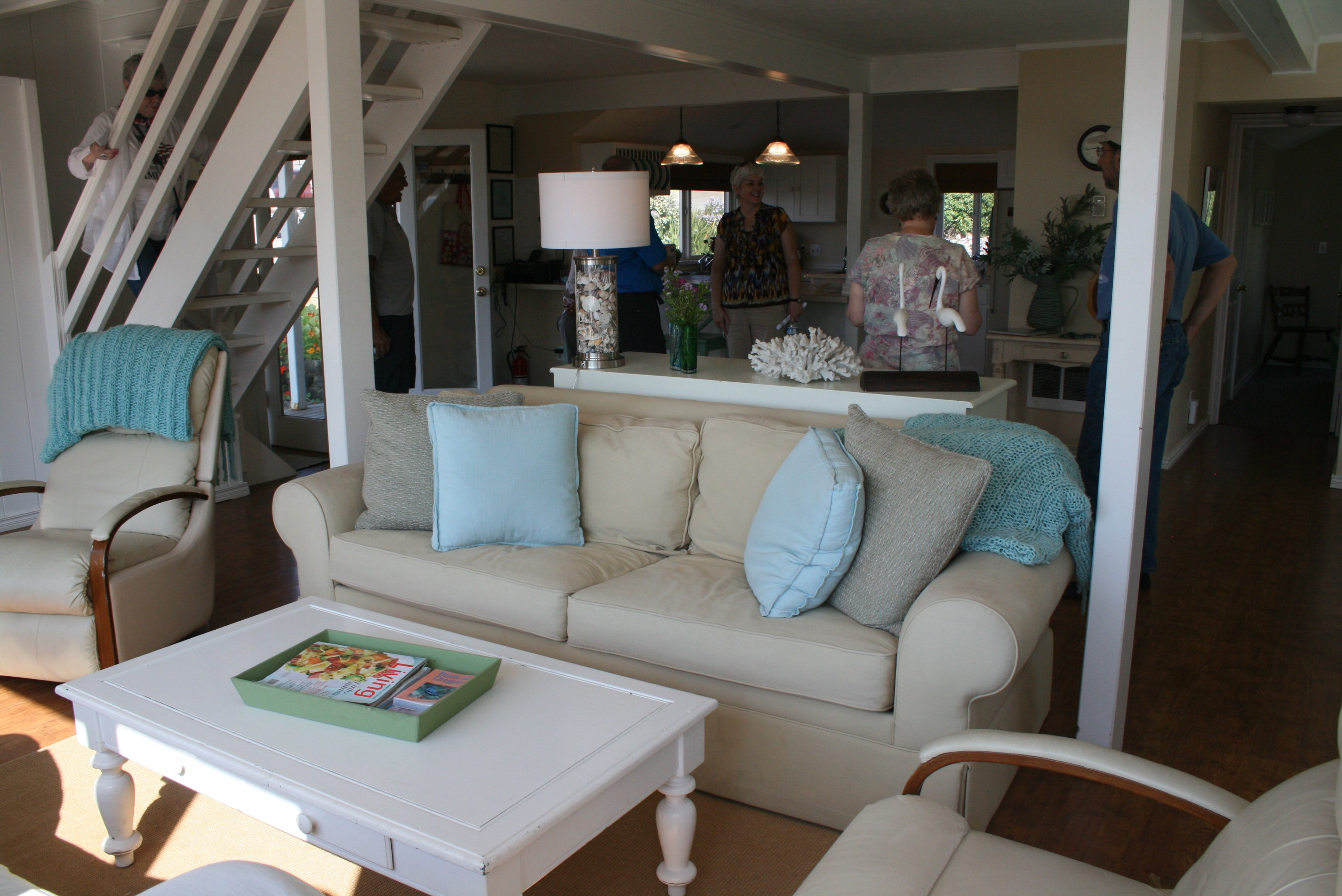 A beachy cottage interior of one of the homes featured in Oregon Home Magazine in 2012.